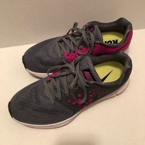 Women's Nike zoom span shoes size 9